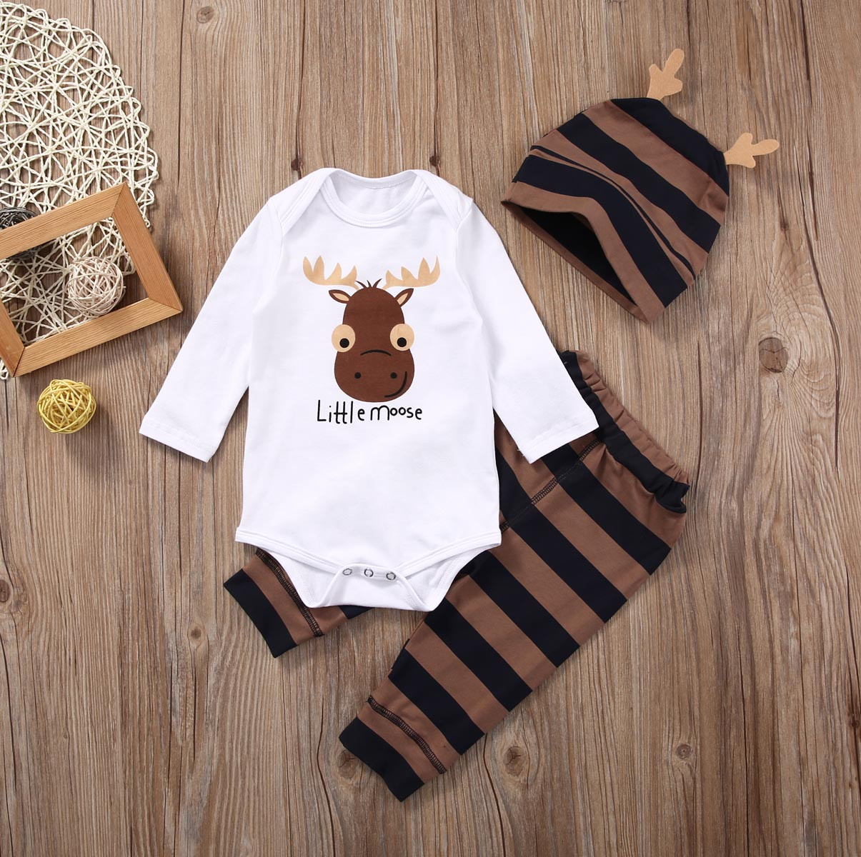 Little Moose Baby Boy Baby Girls Long Sleeve Romper & Hat
